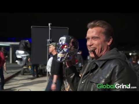 Arnold Schwarzenegger On How He Pitched Eddie Murphy On Triplets Movie