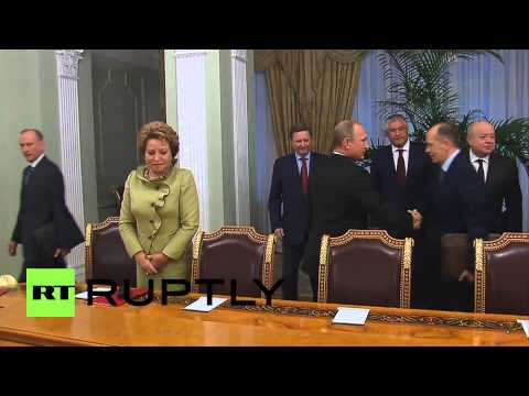 Russia: Putin meets Security Council to talk IS and Ukraine