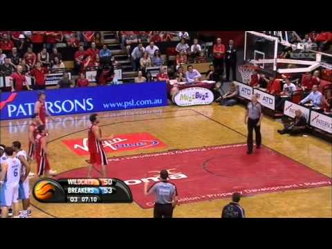 NBL 2011 Semi Final G2 New Zealand Breakers@Perth Wildcats