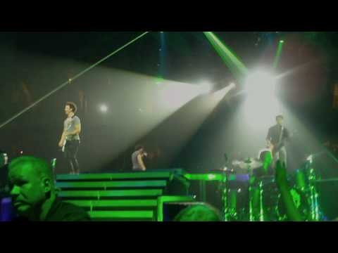 Jonas Brothers 8/14/09 Houston - I Gotta Feeling/Tonight (HD)