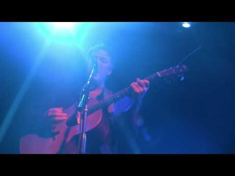 Nick Harper - She Rules My World - live