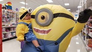 Minions Toys Hunt at Target | The Minions Family Fun at Target | 💛MINIONS in REAL LIFE Compilation 💛