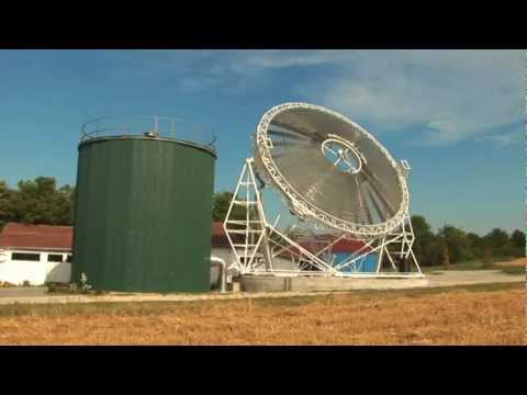 Solar power plant with energy storage