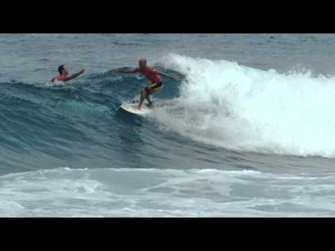 kelly-slater-wins-his-10th-asp-world-title-in-puerto-rico.html