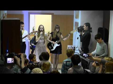 Новогодний концерт музыкальной студии МБУ Лидер - руководитель Пикалов П.В. (28.12.2013)
