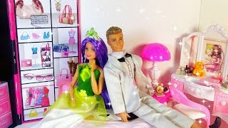 Life Barbie and Ken / Open toy doll house accessories