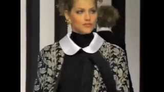 Download Lagu Valentino Fall 1994 Fashion Show (full pt.1) Gratis STAFABAND