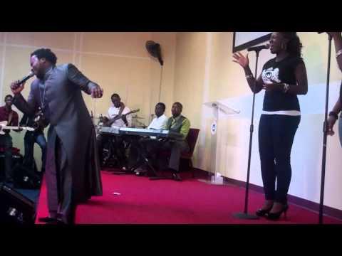 Sonnie Badu Performing Baba  Rccg (grace Chapel) video