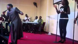 Sonnie Badu Performing BABA @ RCCG (Grace Chapel)
