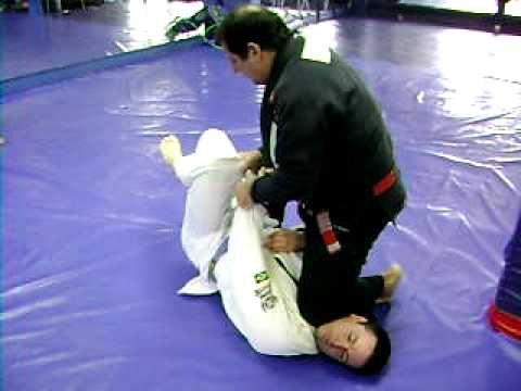 Vancouer Grappling - Knee on Belly to Knee Bar - Marcus Soares Image 1