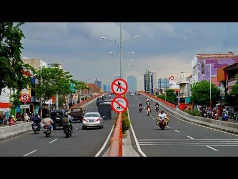 Walking in Surabaya (Indonesia)