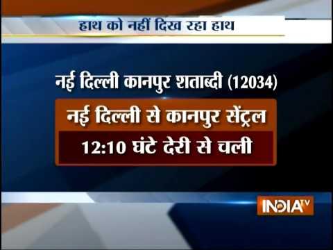 Dense Fog Hits Trains and Flights in Delhi - India TV