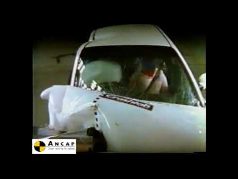 Daewoo Nubira 1998 ANCAP Crash Test (2 stars)