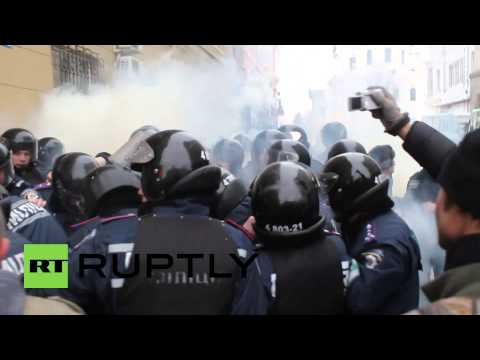 Ukraine: Violence in Kharkov as Right Sector hit town