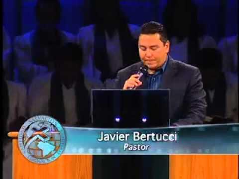 Luchando contra la circunstancia. Pastor Javier Bertucci (Viernes 22-07-2011)
