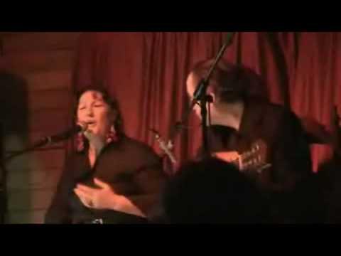 Actuación de flamenco a cargo de Maria Sandoval y Paco Fernández en Denia (Alicante)