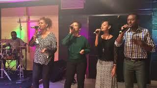 Esti Yengereng - Aster Abebe Live - AmlekoTube.com