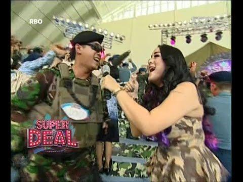 Juwita Bahar - Buka Dikit Joss - Super Deal video