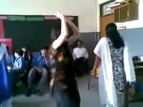 Pakistan Hot Girl Dance In Classroom Mazharbiba video