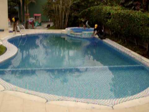 Mallas protectoras en piscina youtube - Manta de invierno para piscina ...