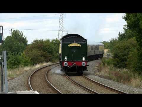 Shakespeare Express through Wythall with 5043
