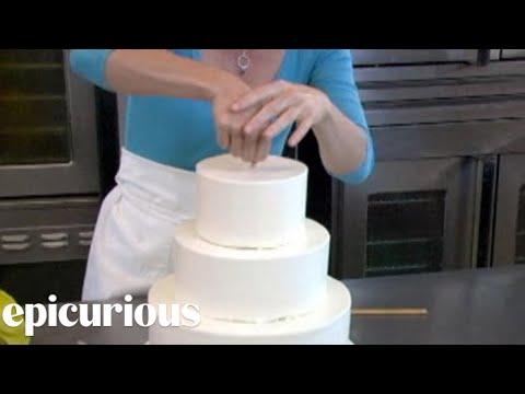 Assembling a Wedding Cake