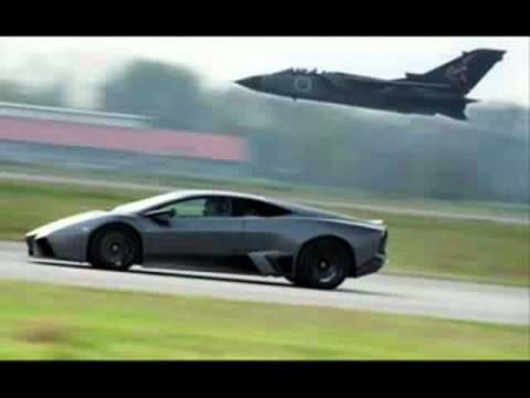 bugatti veyron vs lamborghini reventon youtube. Black Bedroom Furniture Sets. Home Design Ideas