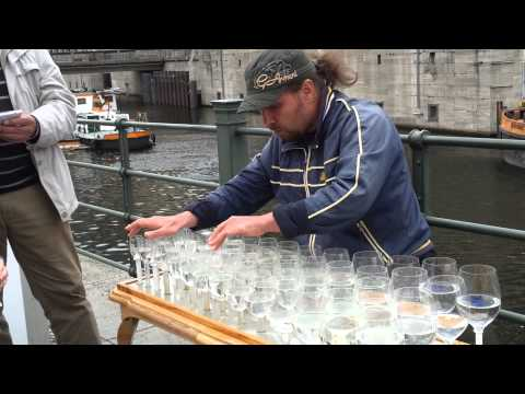 Amazing Street Performance..Playing music using water Glases in Berlin