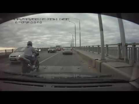 Трюкач на мосту Саратов-Энгельс