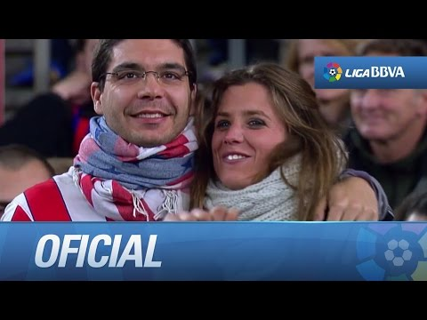Aficionados de FC Barcelona y Atlético de Madrid en las gradas del Camp Nou