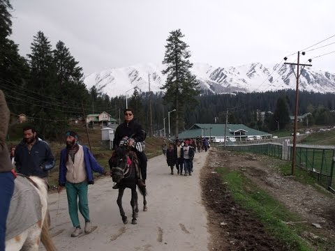 Gulmarg Taxi Stand To Gondola Ticket Counter Video - Gulmarg Tour Tips