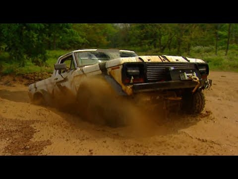 Full Size Bronco Built Ford Tough Takes On Off Road Park - Trucks! S9, E11