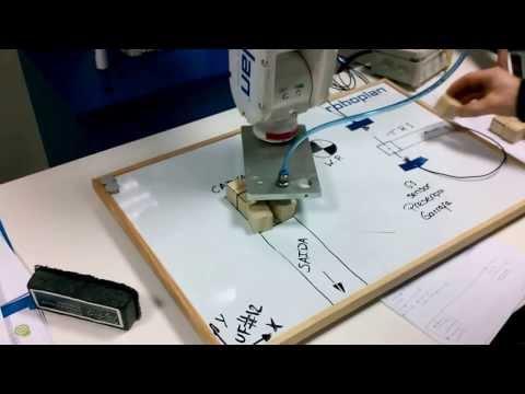 Robot, 6 axis, scaled down packaging line. Robô, 6 eixos linha de empacotamento escala redzida