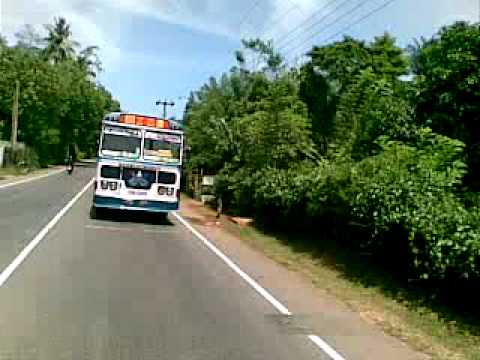This Is How Sri Lankan Buses Runing video