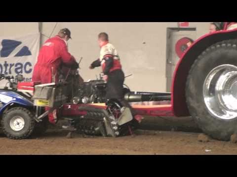 Indoor Tractorpulling Zwolle 2011 : Never Satisfied Explodes