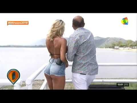 Fuego! Sol Pérez mostró su cola hot en el móvil de Intrusos thumbnail