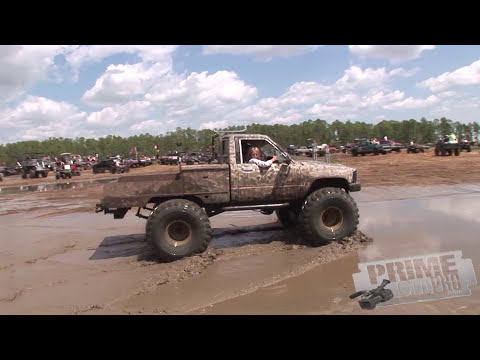 Redneck Yacht Club - Mud Slinging, women and drinking