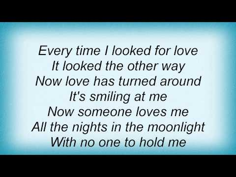 Barry Manilow - All behind us now