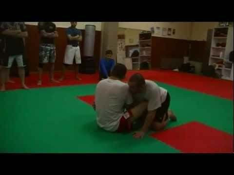 Dean Lister: sweep from butterfly guard Image 1
