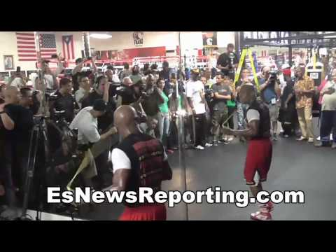 Floyd Mayweather vs Manny Pacquiao Inside The Camps With The Champs - EsNews Boxing