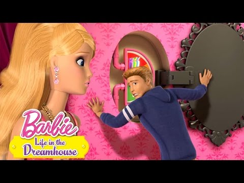 Barbie™ Life in the Dreamhouse -- Closet Clothes Out