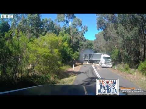 Lucky escape after lorry crash in Victoria, Australia   BBC News