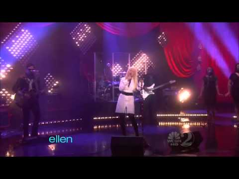 Christina Aguilera - Somethings Got A Hold On Me Live Ellen Degeneres 2010 Hd