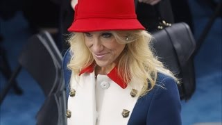 See How the Internet Reacted to Kellyanne Conway's Inauguration Outfit