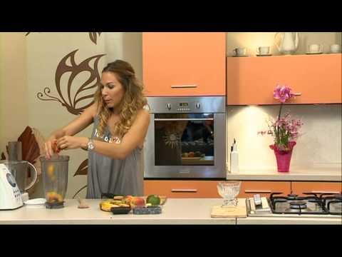 Klub szendvics és őszibarack pohárkrém áfonyával recept