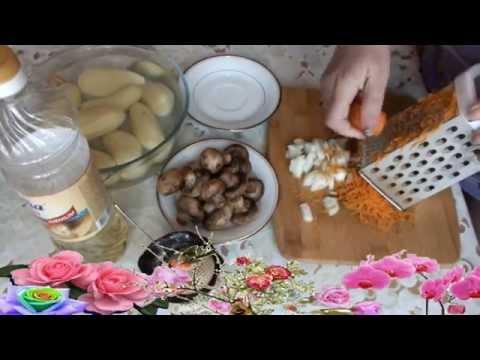 Как пожарить шампиньоны с картошкой - видео