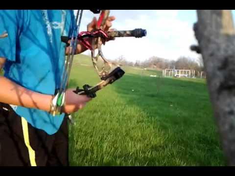 PSE Stinger 3G compound bow - 52 yards - 3 arrow group