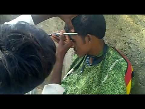 Haircut On The Mumbai Street Shot By Vijay Deepak Chhibber video
