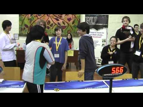 これぞ神業!!ルービックキューブ元世界記録5.66秒