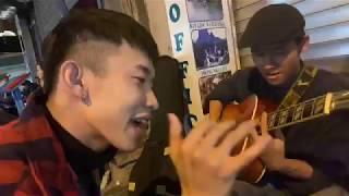 Kay Trần hát live gây láo loạn đường phố Hà Nội